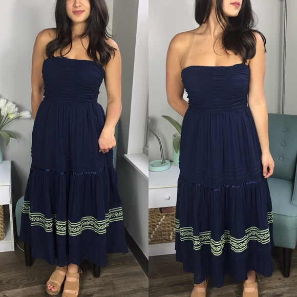 2d3d965c57c3a Free People Dresses   Skirts - Free People Navy Strapless Dress